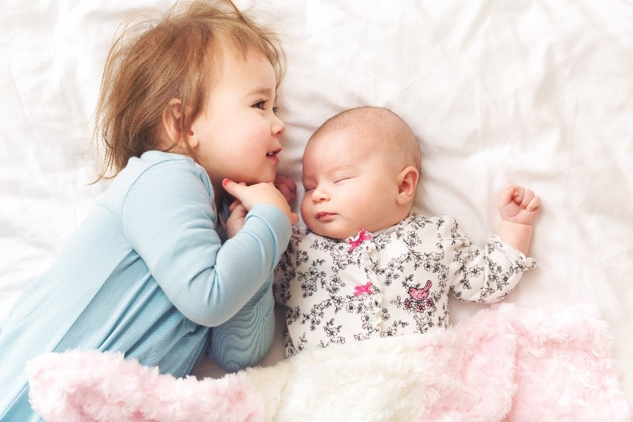 National Siblings Day – How to Prepare Your Child for Their New Sibling